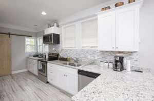 Enjoy your white marble kitchen with Buckhead GA maid service