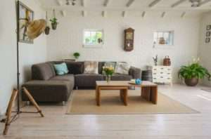 Spacey retro living room cleaned by Atlanta apartment cleaning