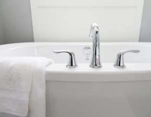 Deep house cleaning service Atlanta makes your tub spotless
