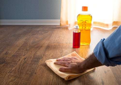 How do you keep hardwood floors dust free